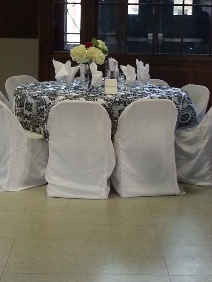 blk n white table.jpg