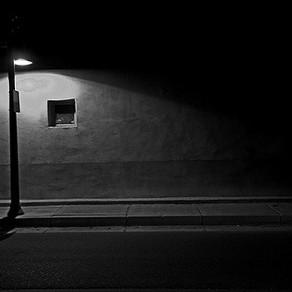 Paseo nocturno por la ciudad (Por Francisco Dellacasa)