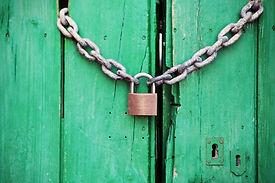 door-green-closed-lock-4291.jpg