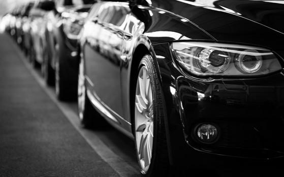 automobiles-automotives-black-and-white-70912 (1).jpg