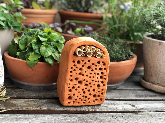 Bee hotel arched