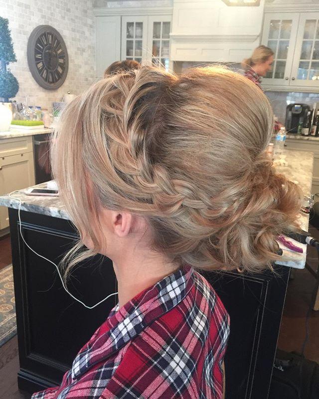 Hairstyle by Kay for _mercedesleebeauty #bridalupdo #gtastylist #muakay #gtamobilemakeup #bridalupdo