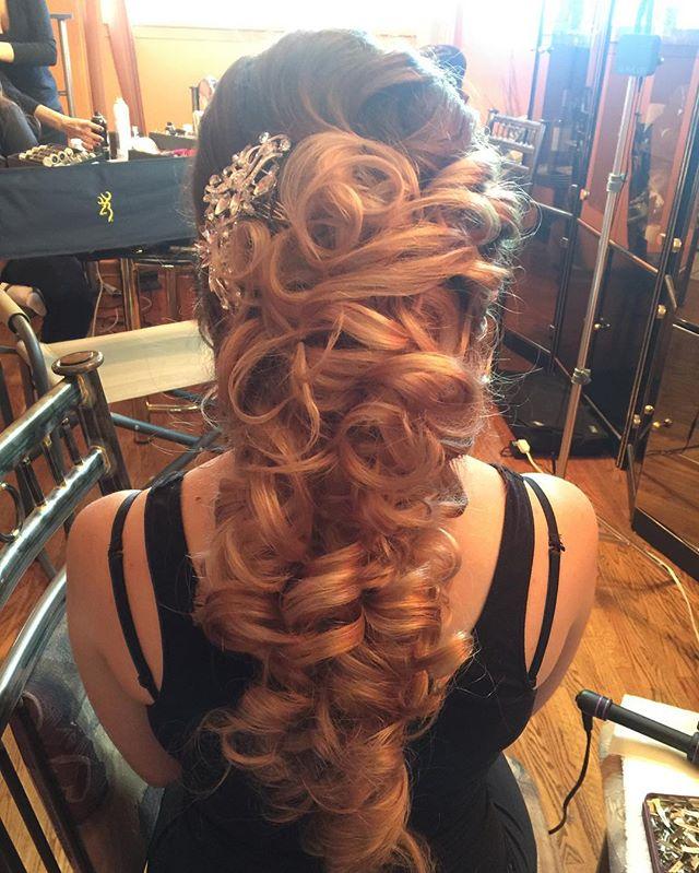 Bride's hair by me! _lushbeautyandbridals #anastasiabrows !  #bridalupdo #gtastylist_#gtamakeupartis