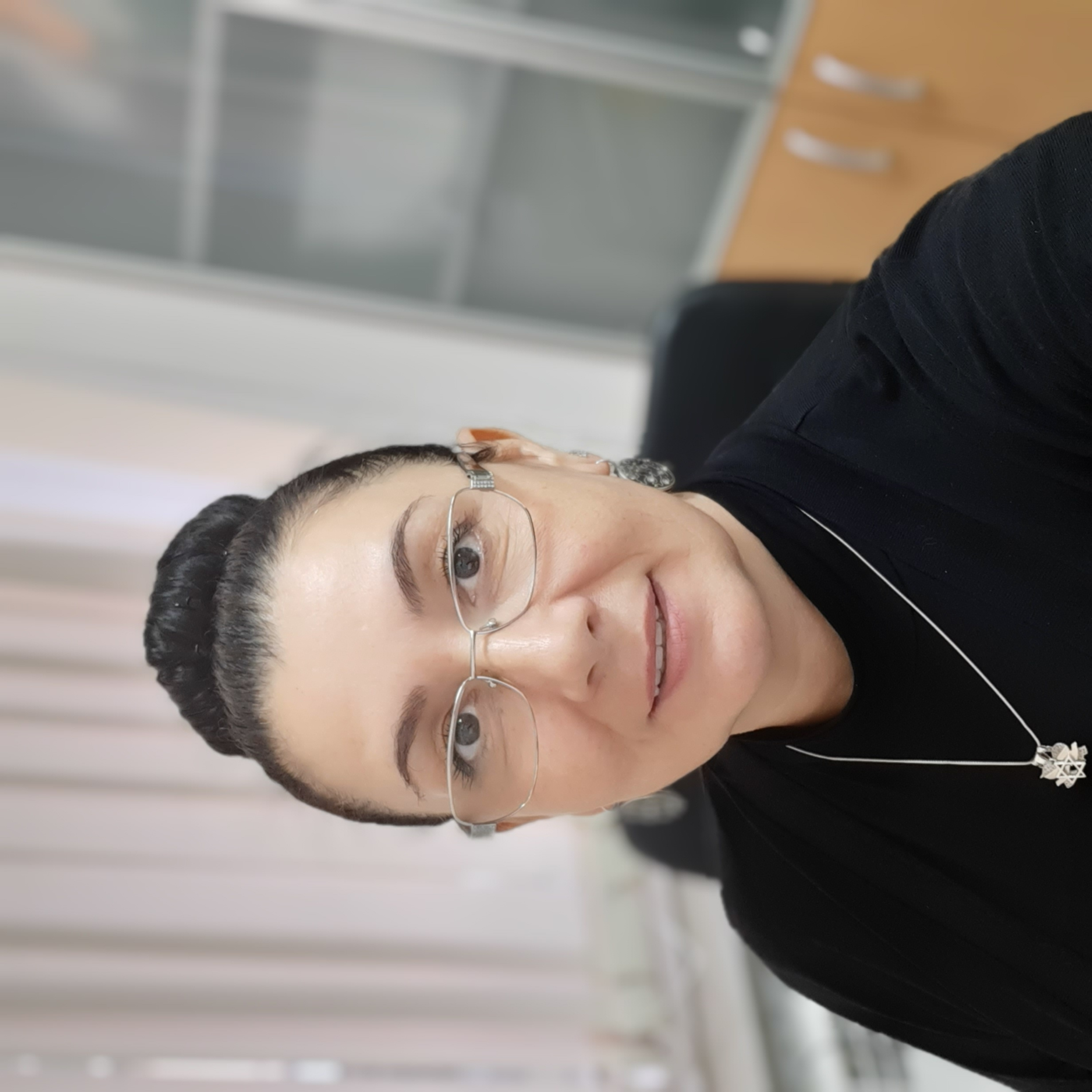 Нора Адильевна