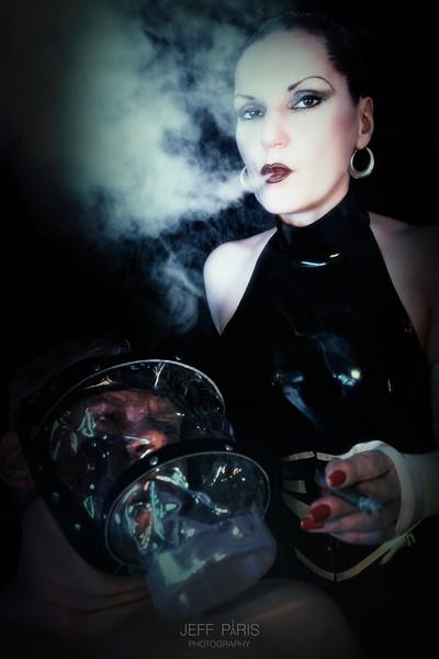 Domina Silvia Smoking