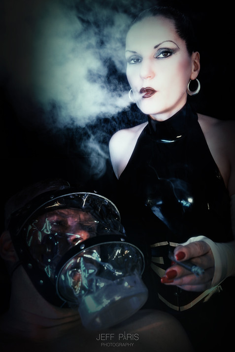 Domina Silvia Smoking
