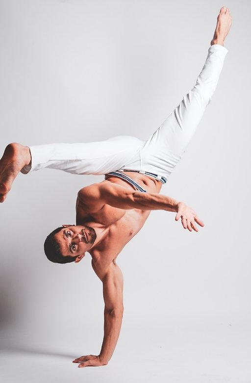 capoeira%201_edited.jpg