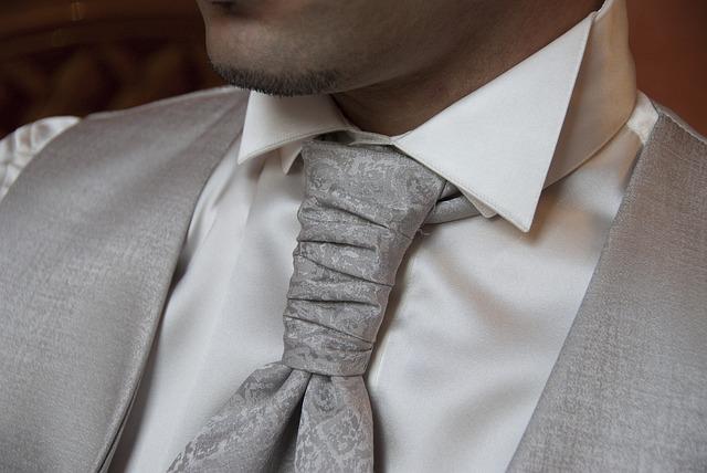 necktie-2191167_640