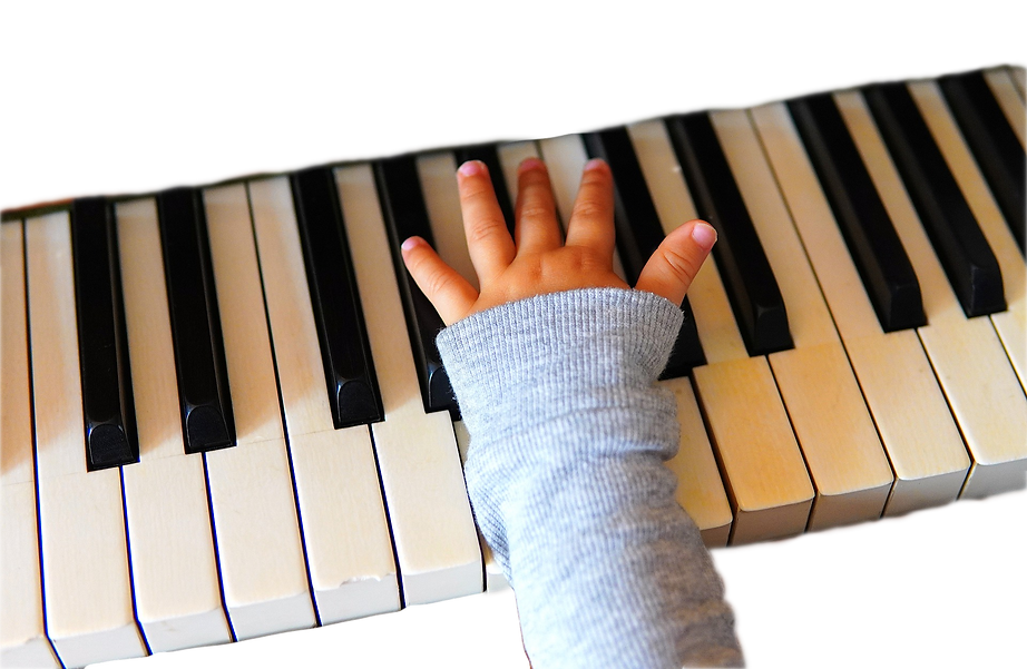 Piano%20Hand_edited.png
