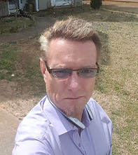 Tom hdsht no tie prplr shirt sunny day.j