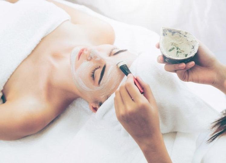 woman-receiving-spa-treatment_edited.jpg