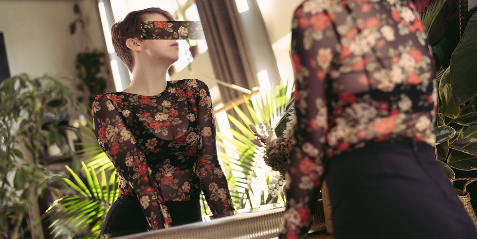 Josie Sparks floral boudoir independent escort
