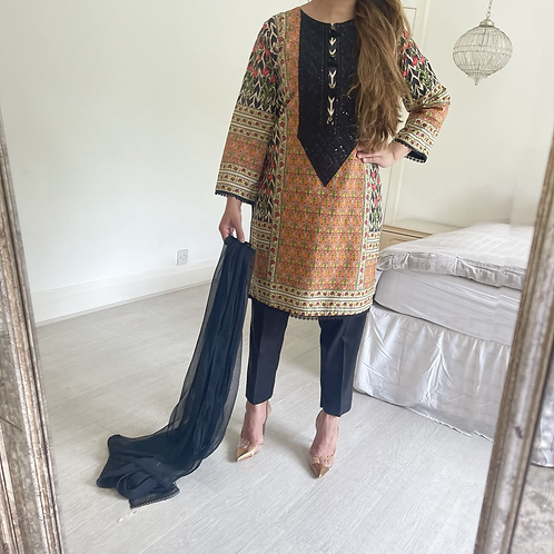 THREE PIECE LAWN OUTFIT