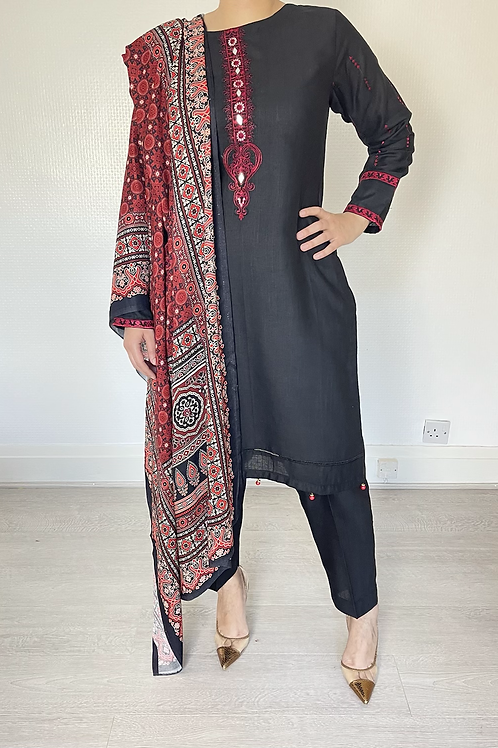 THREE PIECE  BLACK SOFT  KHADDAR OUTFIT