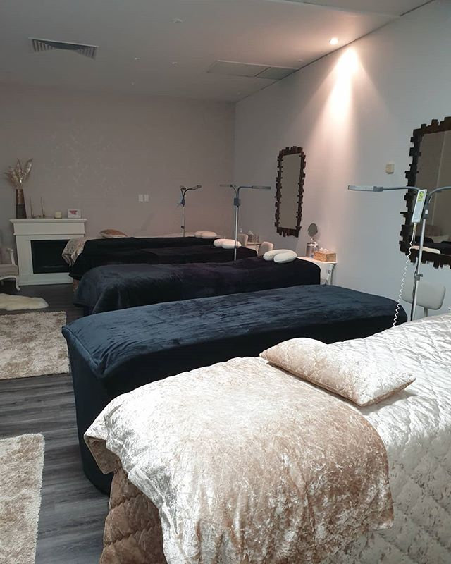 At Crystal Spa, our professional, licens