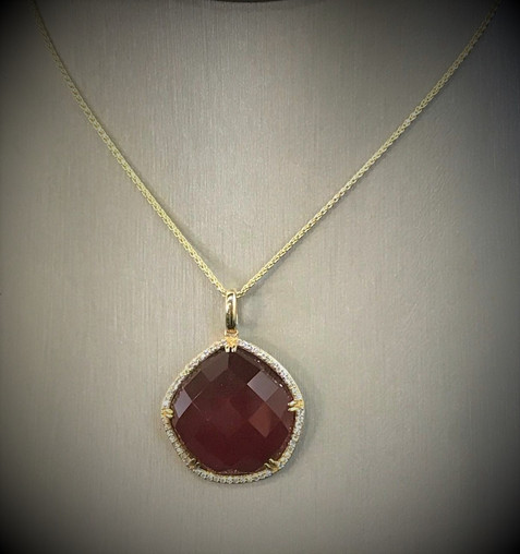 Yellow Gold and Diamond Reg Agate Necklace