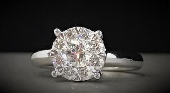 White Gold Diamond Engagment Ring