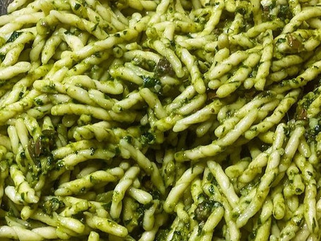 Trofie mit Oliven-Mandelpesto