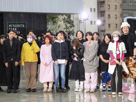 ファッションスクール「me」が渋谷宮下公園でショーを開催