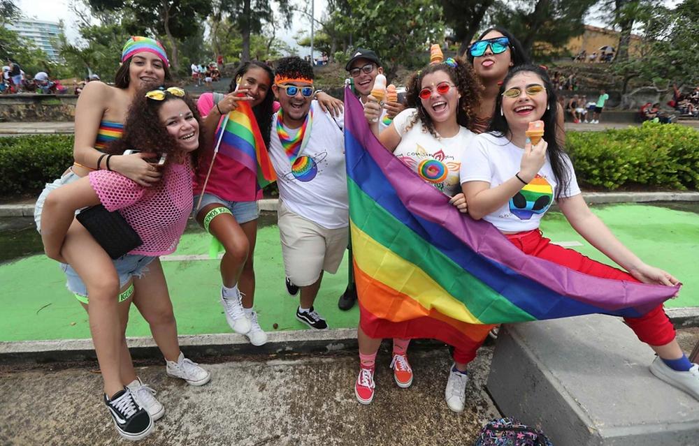jovenes_celebrando_pride_en_puerto_rico