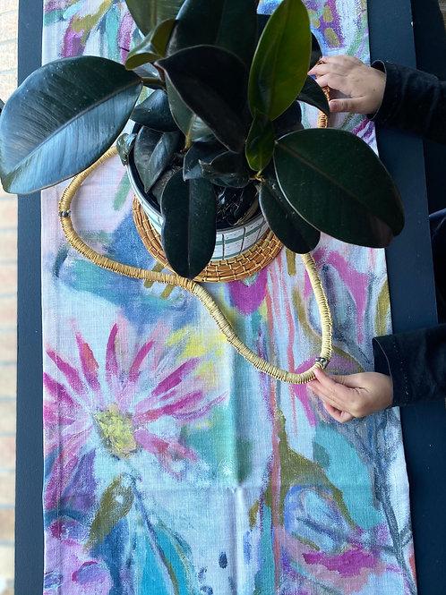 'bush flower' table runner