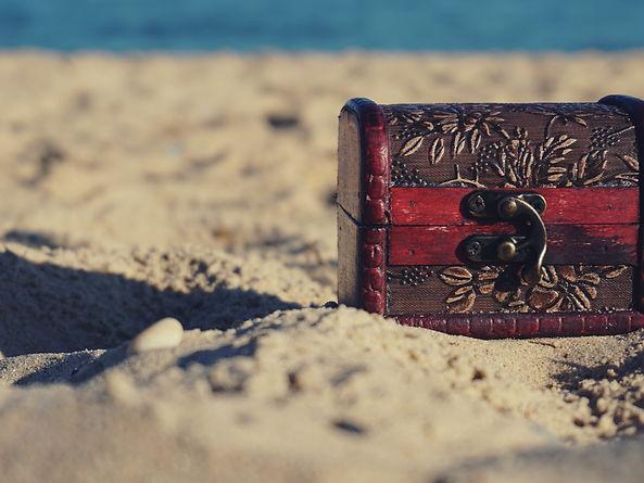 beach-box-chest-1252907.jpg