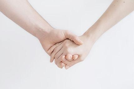 couple holding hands near Philadelphia