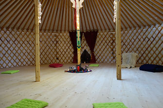 yurt2.jpg