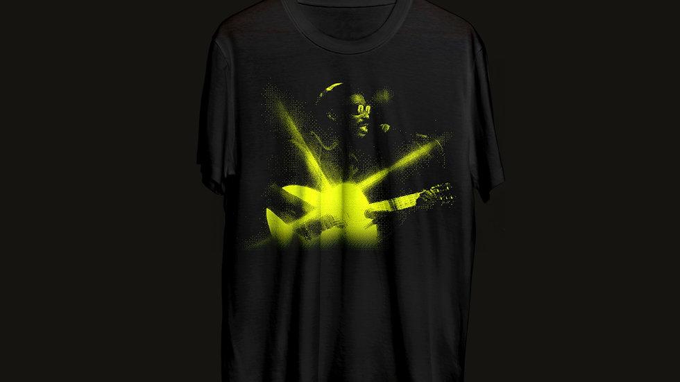 T-Shirt África/Brasil + 2 Bottons