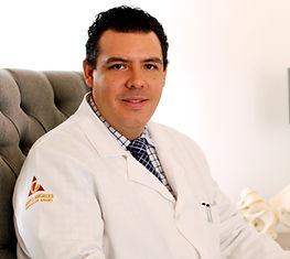 Dr. Arturo Casas Ginecólogo