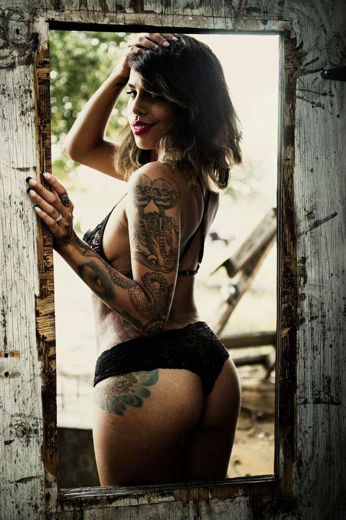 Photographer: Ron Goode | MUAH/Model: Ruby Noir