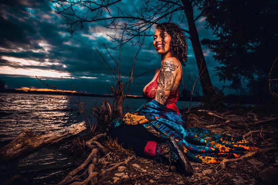 Photographer: Primal Lenstinct | MUAH/Model: Ruby Noir