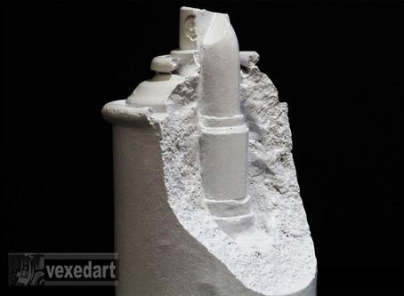 Lipstick Spray Can : New Sculpture