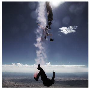skydive artist creating art in freefall