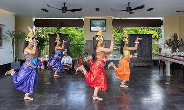KHMER LADIES DANCES AT VILLA ASALIAH.JPG