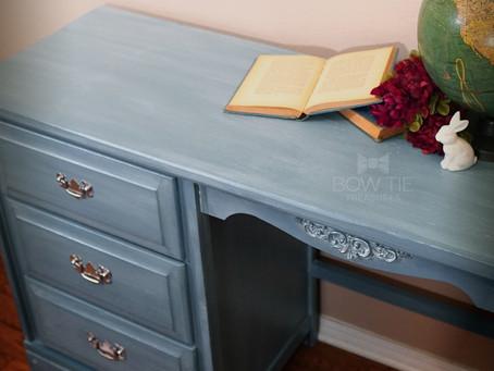 """""""Kacey""""—Vintage Desk"""