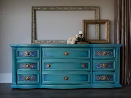 """""""Trinkette""""—Vintage Dresser"""