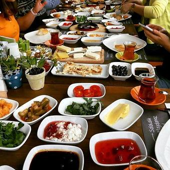 Turkish Kahvalti.jpg