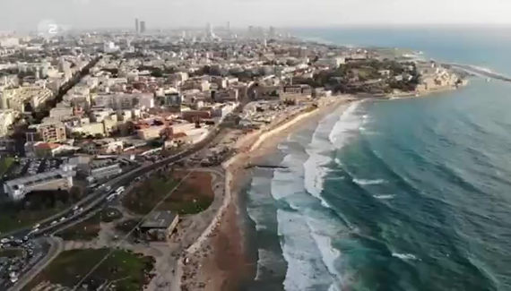 Aviv Grinberg - A studio visit feature on a German TV show that gives a glimpse into major cities through their artistic scene. Tel Aviv: Der Maler Upcoming Places - ZDF channel, February 2019