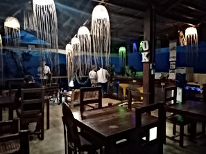 Lexias hostel el nido night time