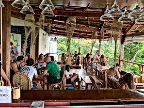Lexias hostel el nido breakfast time