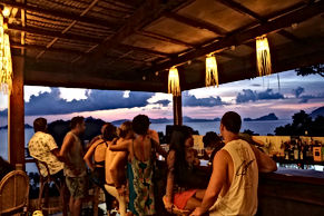 lexias hostel el nido sunset bar