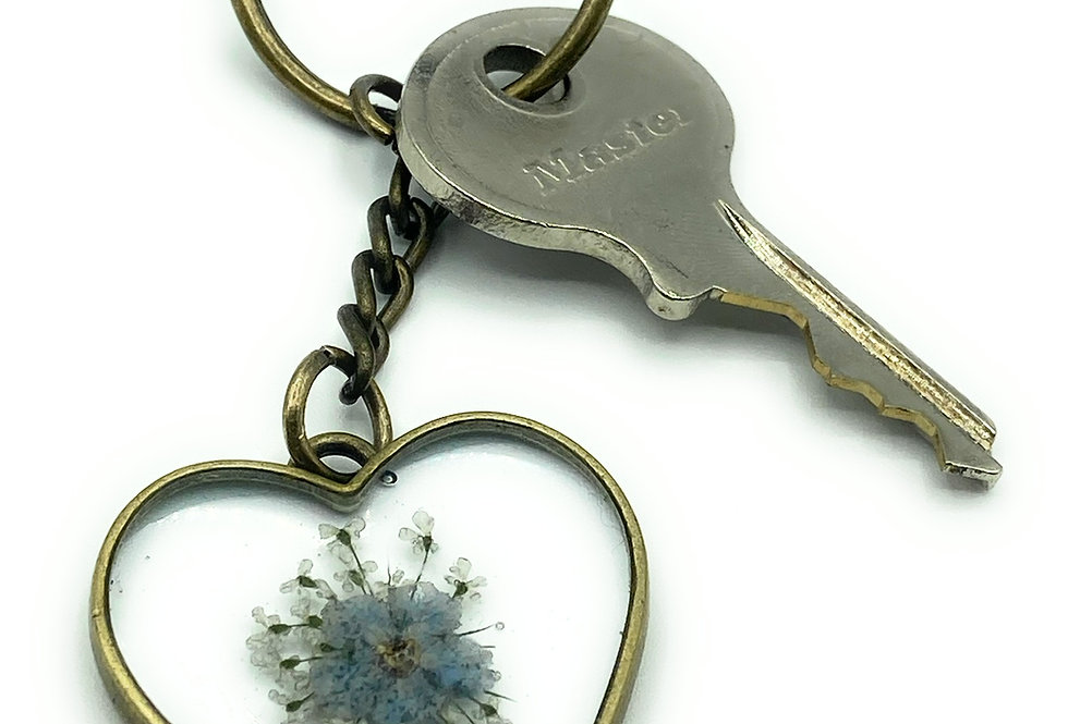 Heart Shaped Thinking of you Forget Me Not Flower Keyring.