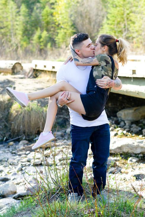 Summer Couple Kiss