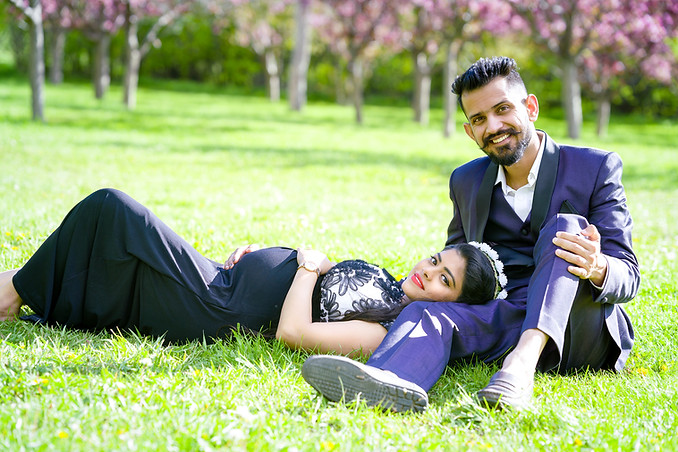 Spring Maternity Couple Photo Session