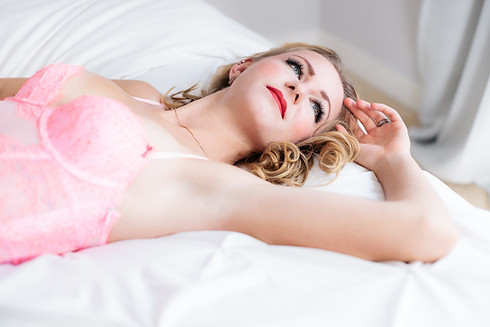 Highkey boudoir - Pink lace for a beautiful boudoir session with our client