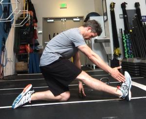 Hamstring Stretch I Poise Fitness I Hermosa Beach 90254 I Gym Warm Up