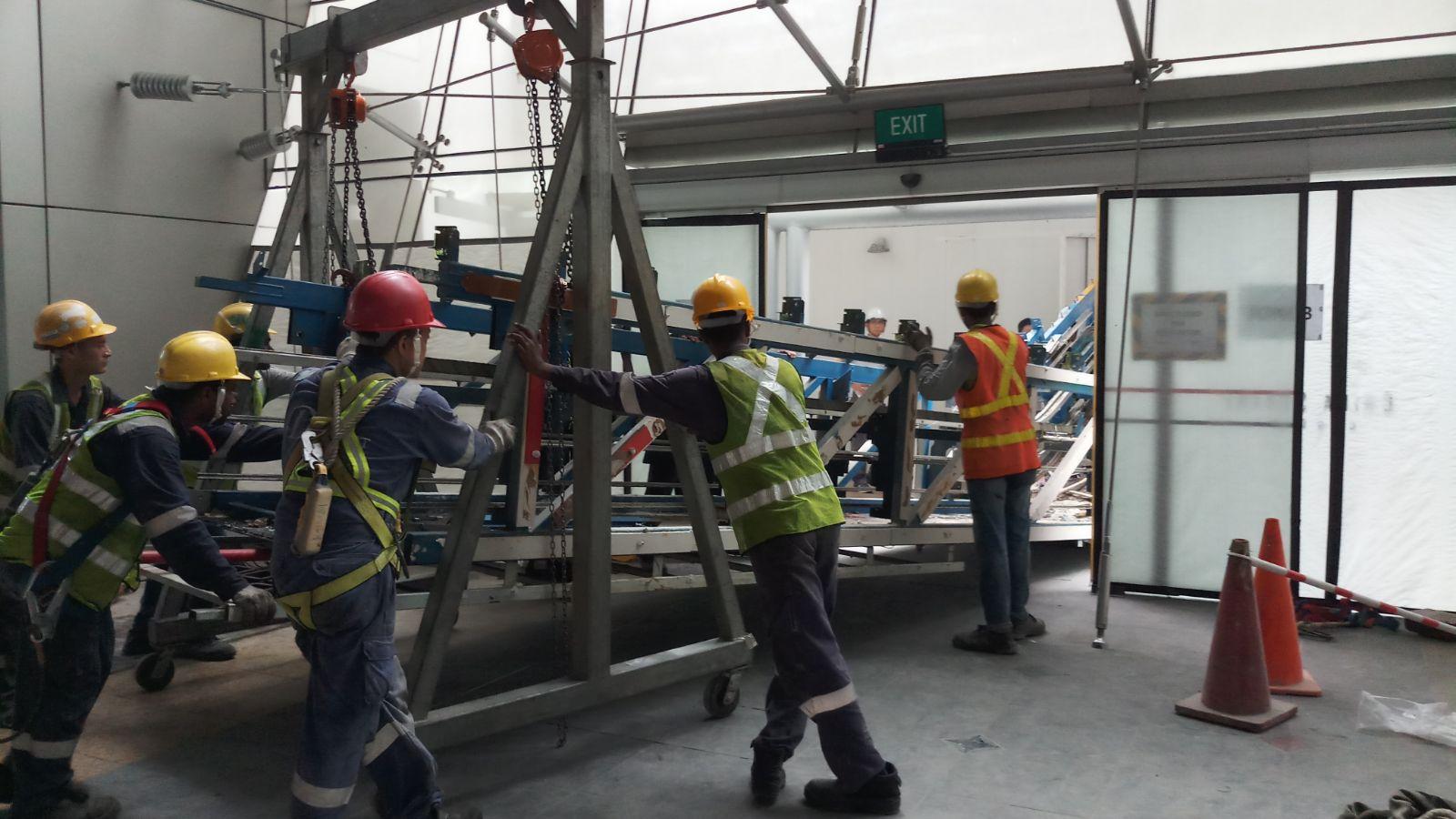 Escalator Remover
