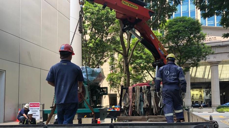 Lifting of generator.