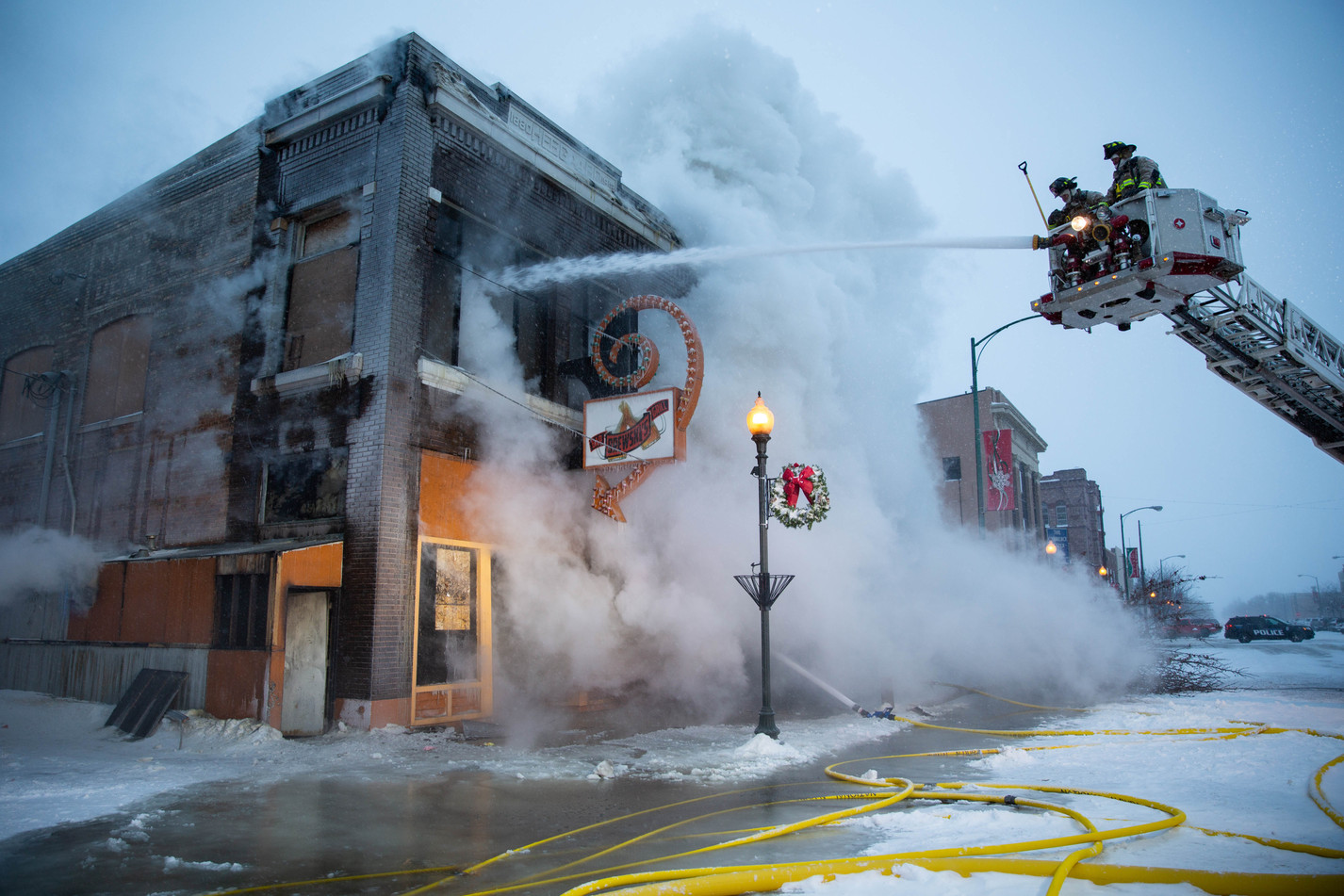 Fire crews battle bar fire in arctic temperatures